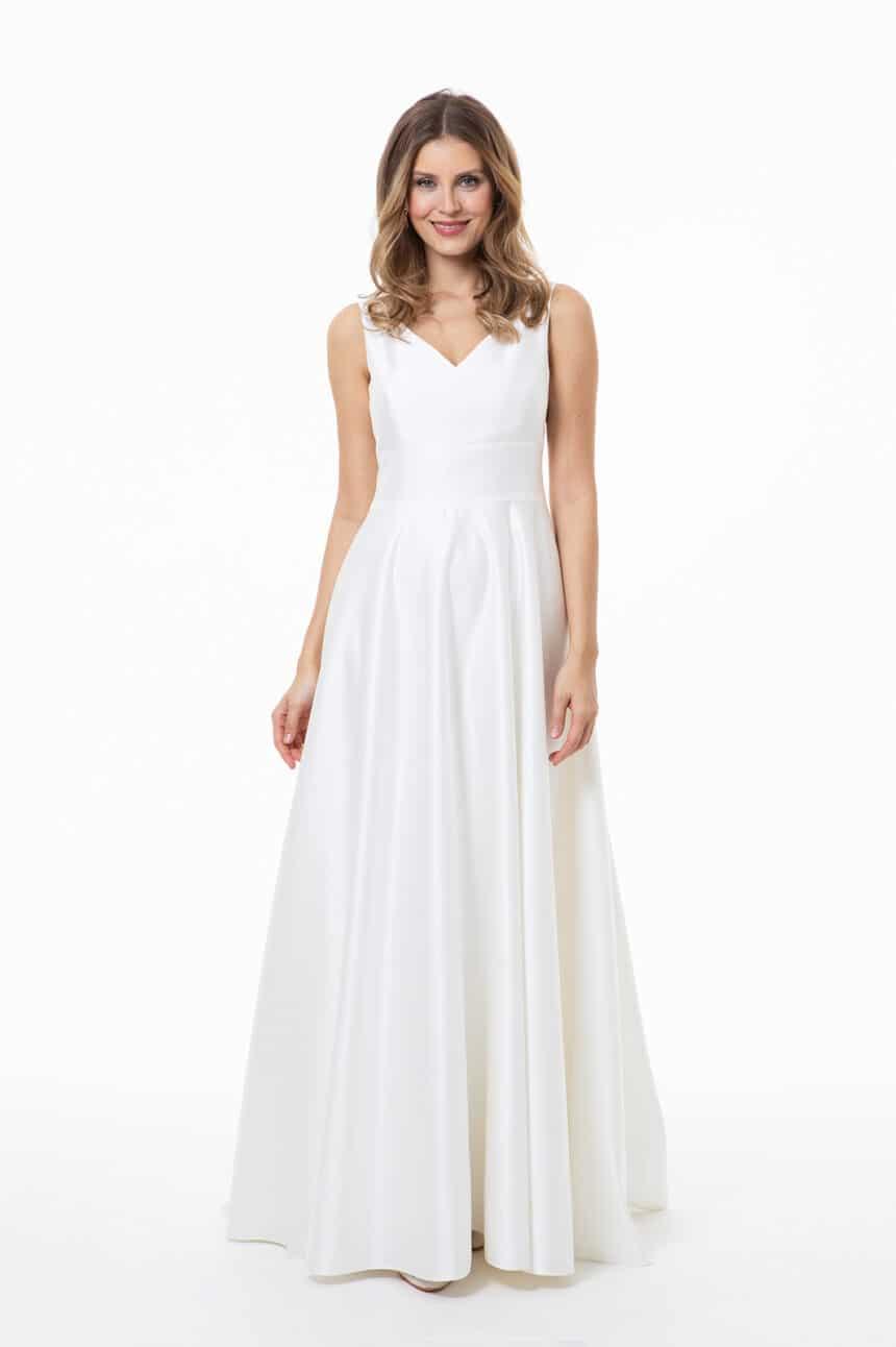 schlichtes Brautkleid mit V-Ausschnitt