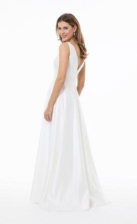 schlichte Brautkleid mit V-Ausschnitt