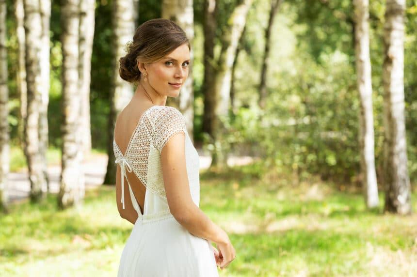 Brautkleid mit Boho Spitze tiefer Rückenausschnitt