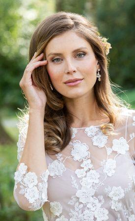 2-teiliges Brautkleid aus Blütenspitze