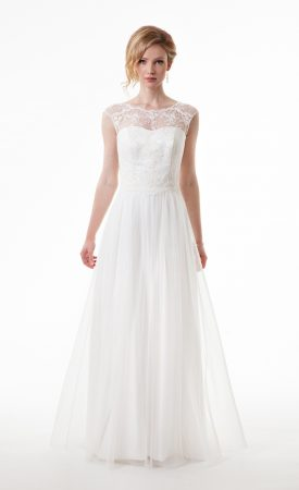 Brautkleid mit spitzenbedecktem Rückenausschnitt und Tüllrock