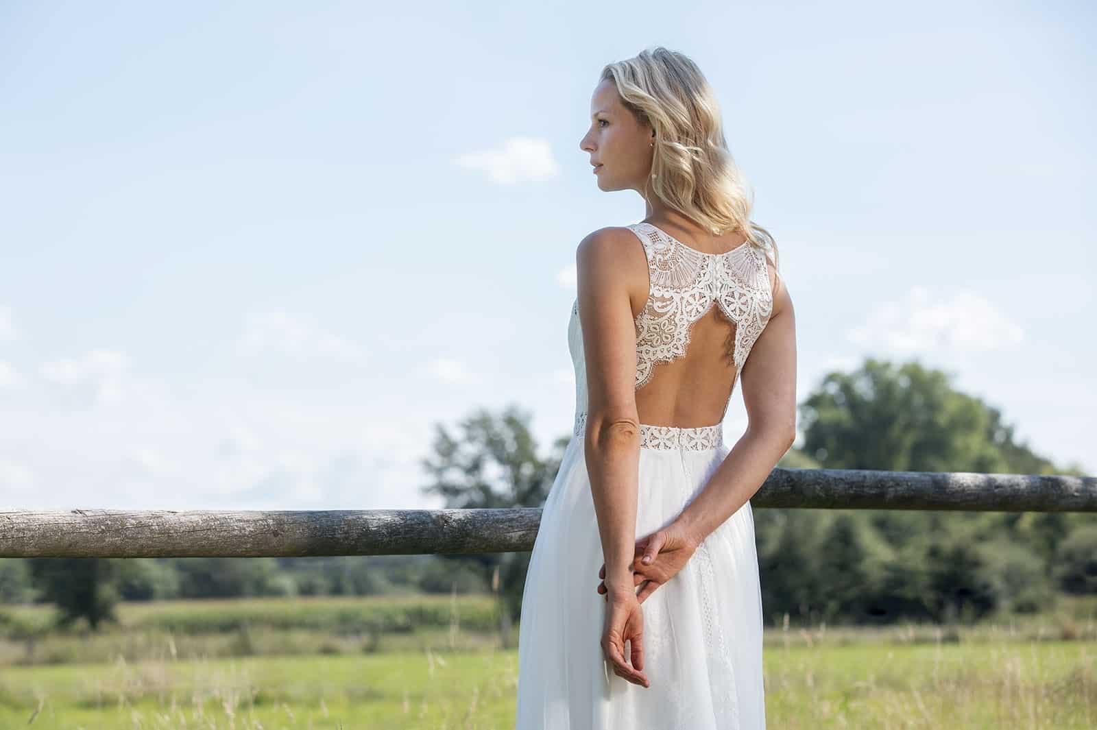 Boho-Brautkleid Spitze Rückenausschnitt