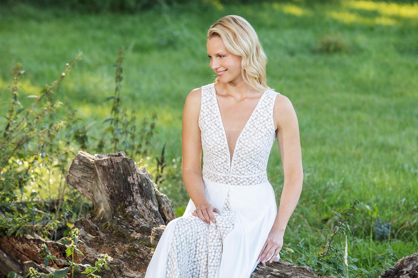 Boho-Brautkleid mit V-Ausschnitt